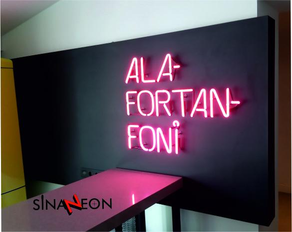 Kurumsal Firma İç Mekan Neon Tabela Uygulaması - Sinan Neon