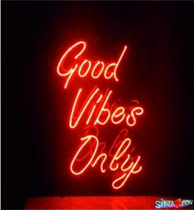 süper bir good vibes only cam neon yazı