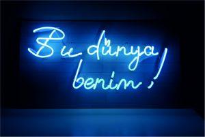 cam neon bu dünya benim ışıklı yazı