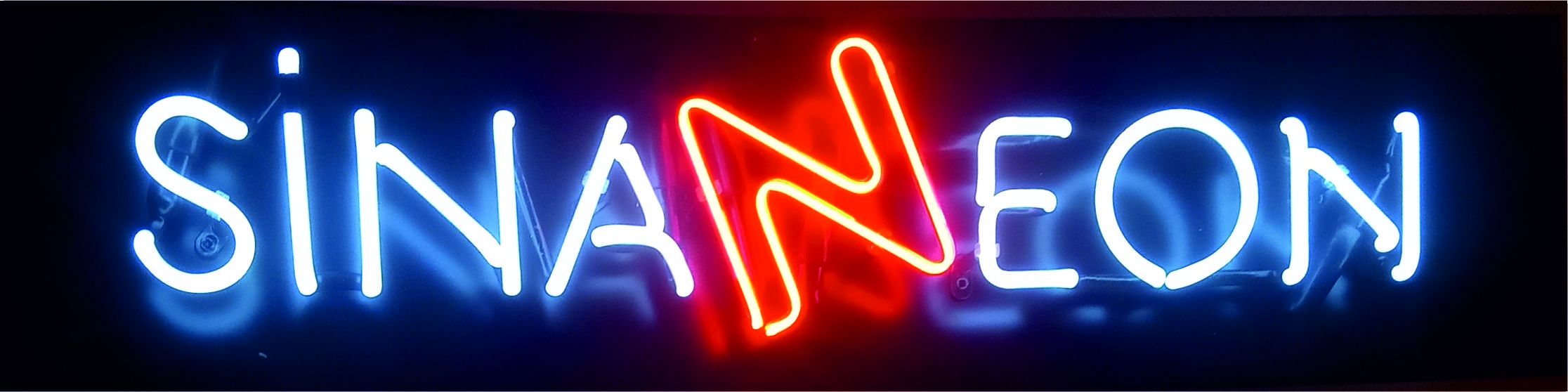 tiktok neon yazı, tiktok neon tabela, tiktok logosu neon tabela